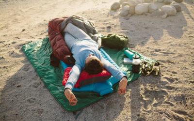 Jaki sprzęt biwakowy zabrać na Kemping, aby się dobrze wyspać?